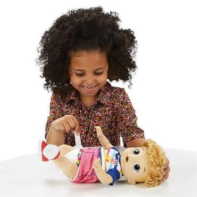 Baby Alive Işıklı Ayakkabılarıyla Neşeli Erkek Bebeğim Hasbro E5244